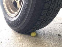 พิธีออกรถใหม่ ทำไมต้องเหยียบมะนาว?