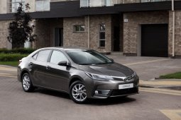 Toyota Corolla Altis 2017 ปรับโฉมใหม่ ราคาเริ่มต้นที่ 799,000 บาท