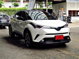 ขายรถ Toyota C-HR 1.8HV Hi ปี2019 SUV