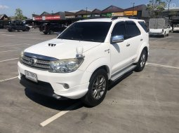 TOYOTA FORTUNER 3.0 V. 4WD.TRD.2 .AT ปี 2010 สีขาว