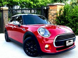 Mini Cooper 1.5D F55 Hatchback 2019