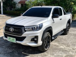 Toyota Hilux Rocco 2.4 G Prerunner Smartcab AT ปี 2019