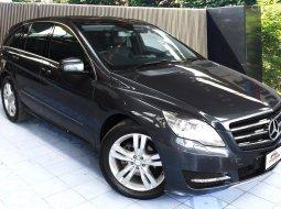 BENZ R300 CDi รุ่นพิเศษ Executive 6 ที่นั่ง 4WD หลังคาแก้ว ช่วงล่างถุงลม รถมือเดียวออกศูนย์ Benz มา 6.4 ล้าน