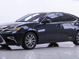 2016 Lexus ES300h Luxury รถเก๋ง 4 ประตู