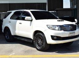 2015 Toyota  3.0 V SUV
