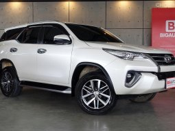 2018 Toyota Fortuner 2.4 V SUV AT (ปี 15-18) B6230