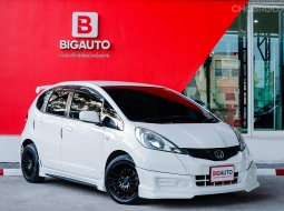 2011 Honda Jazz 1.5 S i-VTEC Hatchback AT (ปี 08-14) P8101