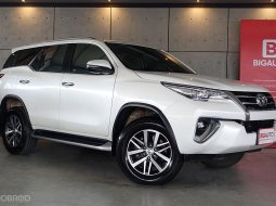 2018 Toyota Fortuner 2.4 V SUV AT (ปี 15-18) B9267