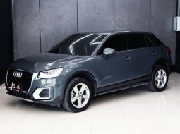 Audi Q2 35 TFSI 2017 สี Nano Grey Metallic Warranty นาน 5 ปี