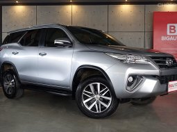2016 Toyota Fortuner 2.8 V 4WD SUV AT (ปี 15-18) B4066
