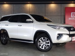 2019 Toyota Fortuner 2.8 V 4WD SUV AT (ปี 15-18) B3459