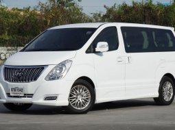 นั่งสบายระดับFirst Class เติมเต็มความสุขนั่งสบายทั้งครอบครัว Hyundai Grand Starex 2.5 Premium Wagon Auto 5Speed ปี2017