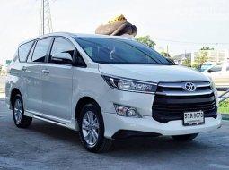 2016 Toyota Innova 2.8 Crysta G รถตู้/MPV