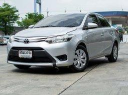 Toyota Vios รุ่น E 2013 เครื่องยนต์ :   1.5 เบนซิน เกียร์ : A/T สี : เทา