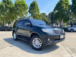 2011 Toyota Fortuner 2.7 V (LPG) A/T SUV