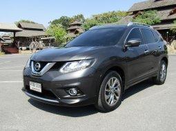 2015 Nissan X-Trail 2.5 V 4WD TOP SUNROOF A/T เบนซิน SUV