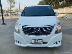 HYUNDAI Grand Starex (ปี 10-18) 2.5 Premium AUTO ปี2017 สีขาว รถบ้านสวย ไมล์น้อย พร้อมใช้งาน
