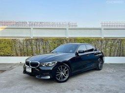 2019 BMW 320d Sport รถเก๋ง 4 ประตู รถสวยวิ่งน้อย สภาพป้ายแดง