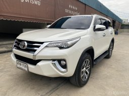 Toyota  fortuner A/T  2015