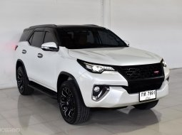 TOYOTA FORTUNER 2.8 TRD 4WD A/T 2018 WHITE กท-7991