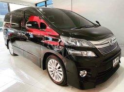 Toyota Vellfire 2.4 ZG Edition เกียร์ CVT 6 สปีด 170 hp ปี 2014