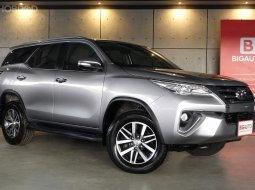 2017 Toyota Fortuner 2.8 V 4WD SUV AT (ปี 15-18) B9964