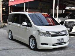 ขายรถมือสอง 2011 Honda STEPWGN 2.0 i-VTEC Wagon AT