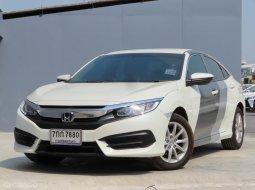 2016 Honda CIVIC 1.8 E i-VTEC รถเก๋ง 4 ประตู