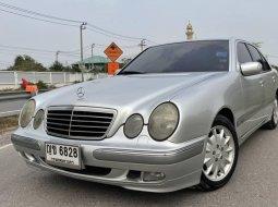2000 Mercedes-Benz E240 Elegance ไมล์ 193,xxx km.