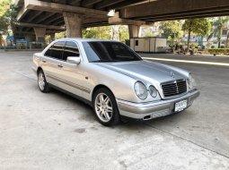 1998 Mercedes-Benz 200 Classic รถเก๋ง 4 ประตู