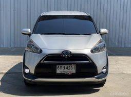 2017 Toyota SIENNA รถเก๋ง 5 ประตู