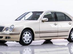 2002 Mercedes-Benz E200 Kompressor Avantgarde รถเก๋ง 4 ประตู