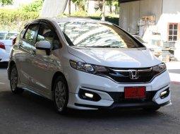 ขายรถ Honda JAZZ 1.5 V+ i-VTEC ปี2019 รถเก๋ง 5 ประตู