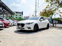ขายด่วน!! Mazda 3 2.0C Sedan รถสวยสภาพป้ายแดง เจ้าของมือเดียวดูแลดีมากๆ สภาพใหม่มาก สีขาวยอดฮิต ต้องรีบจัดแล้ว
