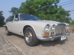 Daimler Sovereign 4.2 Series 1  ปี 1976