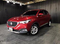 MG ZS 1.5 D สีแดง   ไม่ขายทะเบียน  ปี   2019/2020 เกียร์  ออโต้