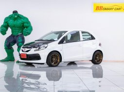 2M-78 Honda BRIO 1.2 V รถเก๋ง 5 ประตู ปี 2013