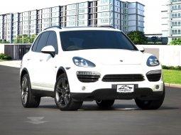 Porsche Cayenne-S Hybrid หลังคาแก้ว โช๊คไฟฟ้า ช่วงล่างถุงลม ออฟชั่นครบ ไฟหน้ารุ่นใหม่