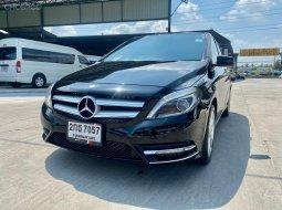 2013 Mercedes-Benz B200 Sports รถเก๋ง 5 ประตู