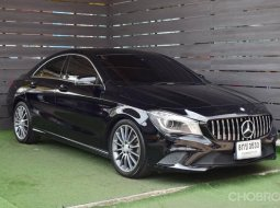 2016 Mercedes-Benz CLA180 Urban รถเก๋ง 4 ประตู