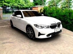 BMW 320d Sport 2019 ไมล์เพียง 18,000 km สปอร์หรูหรา  สภาพน้องๆป้ายแดง BSI 29/11/2025 (6yrs/120,000km) Warranty 29/11/2025 (6yrs/ไม่จำกัดระยะทาง)