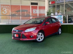 FORD FOCUS 1.6 TREND เกียร์AT สีแดง ปี2013