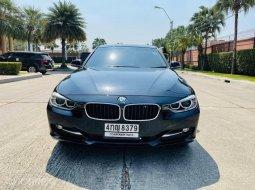 BMW 320D Sport ปี 13 จด 15  สีดำ
