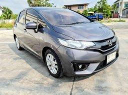 Honda Jazz 1.5 V+ ปี 2015 รถสวย สภาพดี