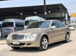 2005 Mercedes-Benz E200 Kompressor Elegance รถเก๋ง 4 ประตู รถบ้านแท้ 100% มีม่านหลัง ภายในสะอาด เบาะหนัง สภาพสวยเดิมโรงงาน พร้อมใช้ รถตัวจริงสวยมาก