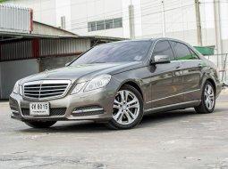 "2010 Mercedes-Benz 250CE รถเก๋ง 4 ประตู  ""Mercedes benz 1.8 E 250 cgi sedan.... รุ่น w212หลังคาแก้ว เครื่องยนต์ 1.8 เบนซิน"""