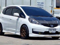 ขายรถมือสอง Honda Jazz 1.5 ตัว  RS Limited  AT ปี 2014