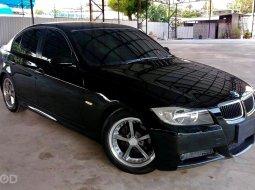 2006 BMW 320i  รถเก๋ง 4 ประตู รถขับดีมาก เจ้าของเดิม ไม่ค่อยได้ใช้