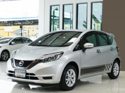 2017 Nissan Note 1.2 V ผ่อน 5,XXX รถสวยเดิม ชุดแต่งสติ๊กเกอร์ลายสปอร์ต