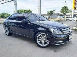 2013 Mercedes-Benz C200 CGI BlueEfficiency รถเก๋ง 4 ประตู